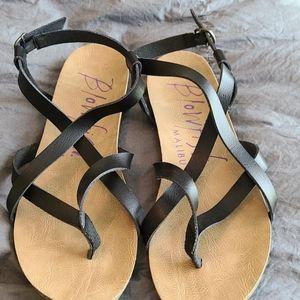 Black scrappy women's blowfish sandals, size 10